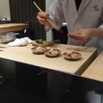 日本料理 晴山 - (2013年4月)平貝準備中…
