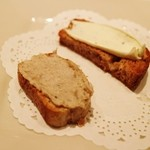 バンブードール - 料理写真:アミューズ クリームチーズと豚パテのブルスケッタ