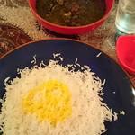 トランジ - 牛肉とジャガイモなどの煮込み