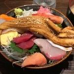 44445631 - 穴子一本のせの海鮮丼1800円+税