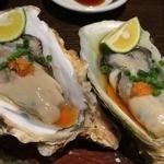 44445636 - 北海道厚岸と宮城の牡蠣の食べ比べ600円+税
