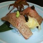 モリタ屋 - (手前)ロース肉❤(奥)ヒレ肉❤ 肉寿司ぃ~❤❤ヾ(´∀`ヾ)