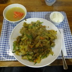 中華 深せん - ラム肉のカレー味炒め飯、スープ、デザート