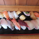 寿司 すみだ川 - 料理写真:ランチの盛り合わせでした。