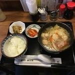 魚八 - つくねたっぷり野菜スープ定食720円