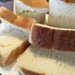 職・パン屋 服部天神店 - もっちり食パンともっちりチーズ食パン