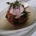 44466544 - 播州地鶏、ビーツのソース、旬の野菜