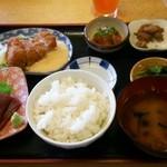 44467321 - まぐろづくし定食 1880円