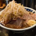 らーめん大 - らーめん(小)野菜多め、ニンニク