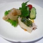 皇家龍鳳 - 前菜(クラゲ、鶏のネギソース、胡瓜とプチトマトの酢漬け)