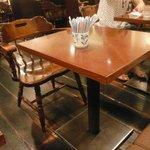さえら - テーブル席