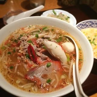 チャオタイ 渋谷東口店 - センレック トムヤム ムー せっとで!980円 炭水化物過多だけどおいしかったです。モヤモヤしてたのでどかっと食べてしまった(*_*)