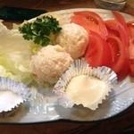 伊豆浜 - 生トマトとポテトサラダ550円