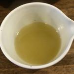 麺鮮醤油房 周月 - 割りスープをお願いすると提供してくれますよ!