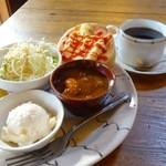 カフェド.カマウ - 料理写真:モーニングセット(ビーフシチューとエッグパン選択)
