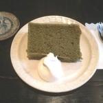 陶栞 - 抹茶シフォンケーキ(飲み物注文で+200円)
