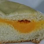 キャメリア - プレミアムメロンパン