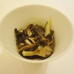 マガーリ - 奥入瀬鶏ときのこのスープ?