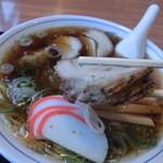 大石家 - 中華そば並800円。もはやこれはチャーシュー麺です。