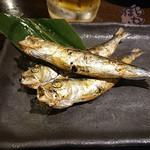 炭焼き漁師小屋料理 目黒西のひもの屋 - 愛知県産 真いわしの干物 421円