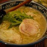 塩らー麺 本丸亭 - 鶏塩ラーメン