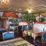 ビスヌ - インド風の店内でお好みのインド料理をお好きなだけお召し上がりいただけます!