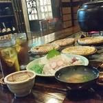 南部民芸料理 蔵 - 囲炉裏を囲んで、八戸の郷土料理をたくさん頂ける「蔵」さん