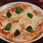 ピオッポ - チーズたっぷりのマルゲリータ