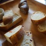 44481364 - 食べほーのパンたち
