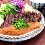 「ビーフステーキランチ」マッシュポテト&サラダ付