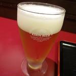 44489406 - グラスビールがサービスで付いて来ます ※2015年11月