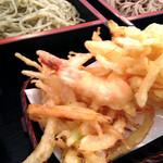 駒沢 そば蔵 - 二色天そば(かき揚げ付き)