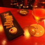 ボルドレー - 白ワイン「ピエール・ジョルダン・トランキル」と、チーズ盛り
