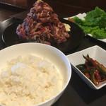 焼肉チャレンジャー - ご飯大 400g 380円!