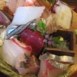 ○海 - ◯(マル)海(大分県佐伯市葛港)旬鮮丼御膳