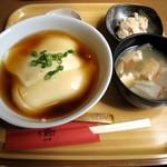 おとうふかふぇ 五六亭 - おぼろ丼セット(600円)