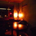Rue Favart - 窓際の席はしっとりした雰囲気☆