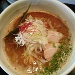 麺や 楓雅 - 豚骨魚介辛味噌らーめん @850