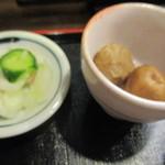 お清水 - 右里芋の煮っ転がし 薄皮付き