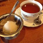 44508225 - 食後のアイス&紅茶