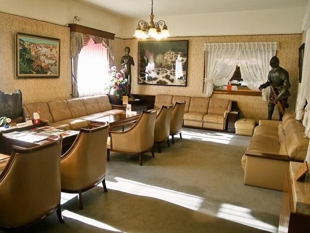 レストラン雪河亭 本店 - 待合いルーム