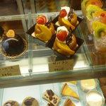 菓子工房 みのりづき - 店内 ケーキなど