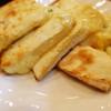 Indhianresutoranaruthi - 料理写真:チーズなん:ピザのMくらいはあると思う