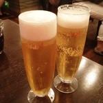 AZICA - 生ビール、シャンディガフ