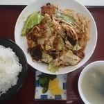 ラーメンとん太 - 回鍋肉定食864円