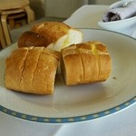ゾーナ イタリア - おかわり自由のガーリックかバター