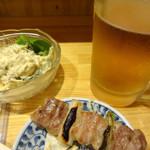 44521217 - ポテトサラダと生ビール、ねぎまです。