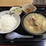 44521334 - とん汁定食(小)850円