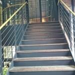 44522284 - 外階段からもアクセス可能。