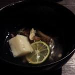 Ushinohoneanaza - 名残り鱧と鱧真丈の椀松茸のくずあんかけ